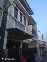 Rumah 2 Lantai Disewa di Ciledug - Tangerang Kota ->