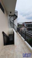 Disewakan Unit Kontrakan Modern Minimalis Bangunan Baru Jl. Bumi Indah, Kebon Jeruk, Jakarta Barat -> Balkon/Area Jemur Bersama