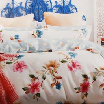 BED COVER 240X210 CM MOTIF BUNGA  - KREM_1