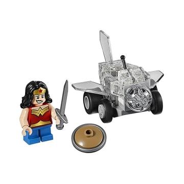 LEGO SUPER HEROES : WONDER WOMAN VS DOOMSDAY_2
