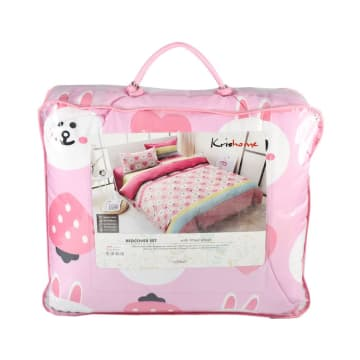 KRISHOME SET SEPRAI DAN BED COVER STRAWBERRY_2