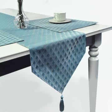SET TATAKAN PIRING & TABLE RUNNER LATTICE - BIRU MUDA_1