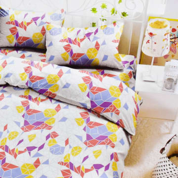 KRISHOME BED COVER GRAPHIC 210X220 CM - MERAH_1
