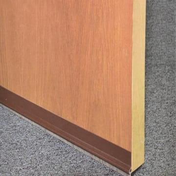KRISBOW PENUTUP LUBANG BAWAH PINTU PVC-PILESEAL 91 CM- COKELAT_2