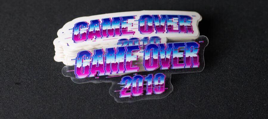 Bildet av Game Over 2019 logoen - Klistremerker fra Russemerket