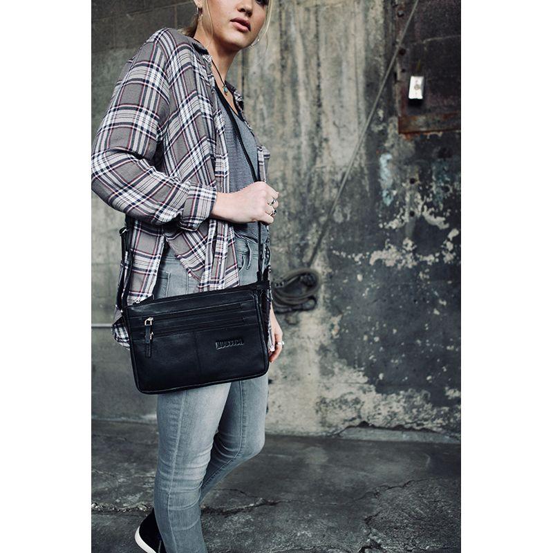 The Field Walker Handbag Black