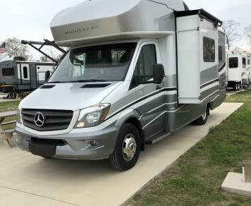 2019 3500 Sprinter Mercedes Winnebago View 24V