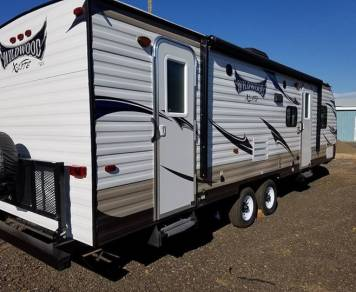 2016 Wildwood 262BHXL (One Queen & 2 Full size double bunks)