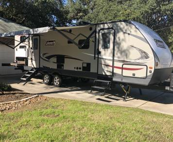 2018 Coleman Light 2835BH