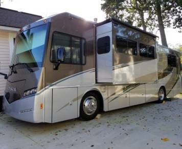 2016 2016 Winnebago Itasca Sunova - 2 Queen Beds - Sleeps 6 - 14MPG - RVBackroads.com