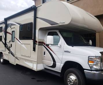 2017 Thor Motor Chateau, Sleeps 10, Low Miles, Upgraded Suspension