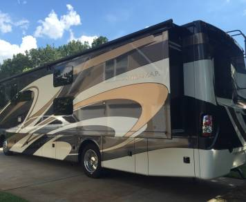 2016 Thor Miramar 34.3 King Suite and Bunkhouse