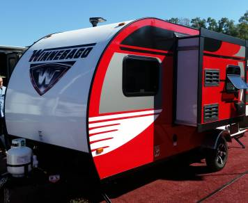 2016 Winnebago MiniDrop 17' Trailer