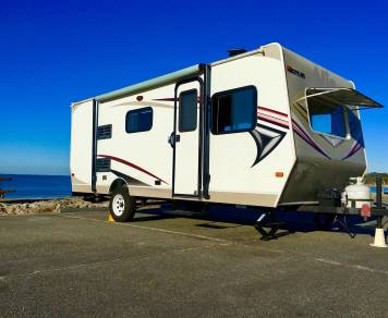 2013 Easy Tow Perfect for Small Family