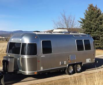 2010 Airstream International - Signature Series