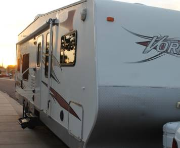 2008 28FT Toy Hauler (We Deliver)