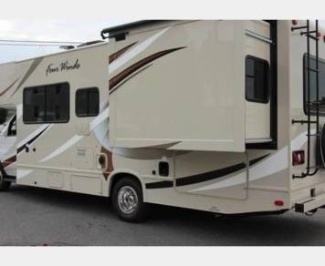 2017 Luxury Thor Four Winds