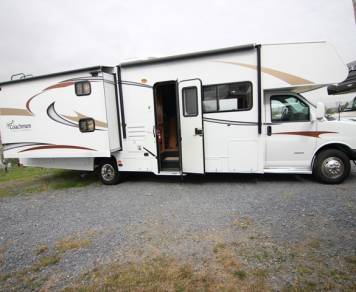 2013 Coachmen Freelander 32BH