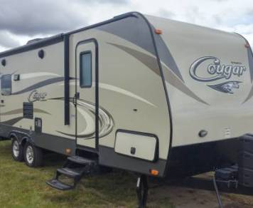 2016 28' Keystone Cougar 28RLSWE with slide out