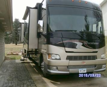 2010 Winnebago Adventurer 35Z BUNK