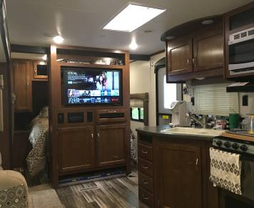 2017 Jayco 32 TSBH (Triple Slide Bunk House)