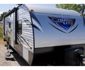 2018 *Sleeps 9* Salem Cruise Lite T263BHXL