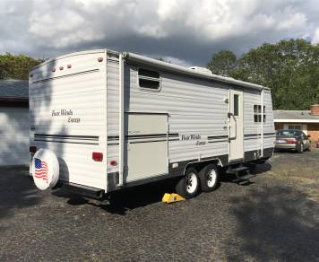 2003 Four Winds Expedition 25' pack and play