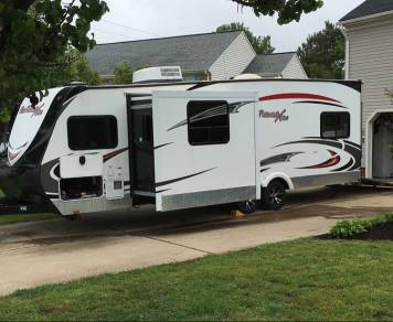 2013 Fun Finder Extra Toy Hauler XT276
