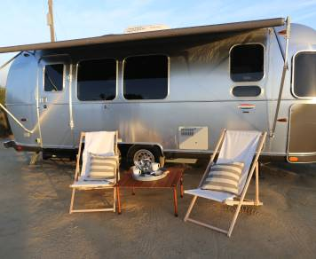 2015 23' International Signature Airstream