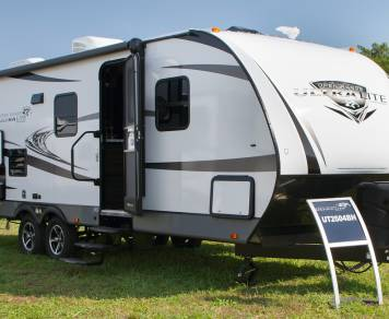 2017 Highland Ridge Ultra Lite 2504BH