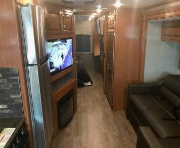 2018 Holiday Rambler Vacationer 32A