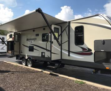 2018 Cruiser Radiance 30DS