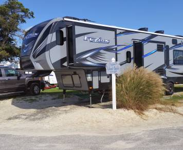 2015 Keystone Fuzion 371 Toy Hauler with Golf Cart!!!