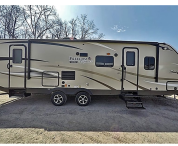 2018 Coachmen Freedom Express - UPMi65