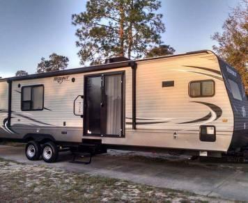 2016 38ft Keystone Hideout LARGEST Travel trailer