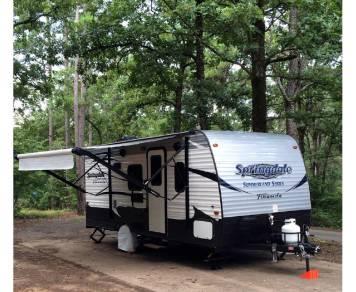 2016 Keystone Summerland 1800BH ($200 damage deposit option)