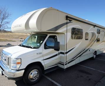 2016 Thor Chateau 31E Bunkhouse with Room for the whole family!