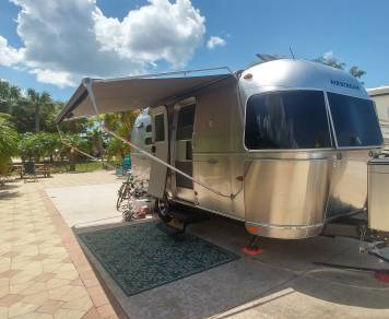 2010 Airstream Flying Cloud 20ft
