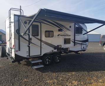 2018 Outdoors RV Creekside 18RBS