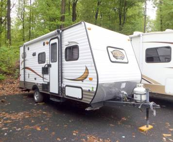 2015 Coachman Viking 17 Bh. Delivery available!! Sleeps 5!