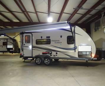 2015 COACHMEN FREEDOM EXPRESS 192RBS