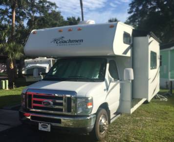 2011 Coachmen Freelander 30QB
