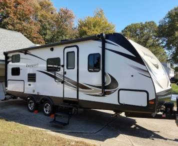 2017 KEYSTONE PASSPORT GRAND TOURING 2400BH