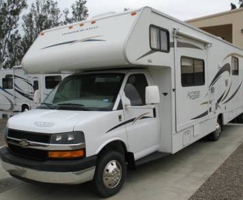 2012 Winnebago Access de Luxe, like new,25 ft, only 21000 miles,available X-mas