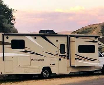 2018 Brand NEW Winnebago Minnie Winnie fully stocked