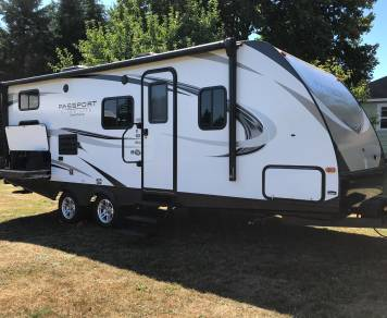 2018 Passport Ultra-Lite Grand Touring 2400BHWE