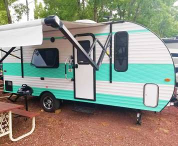 2018 Gulf Stream Capri 189DD Retro Style Lightweight Camper