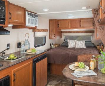 2016 Jayco Flight (Delivery, setup and removal available)