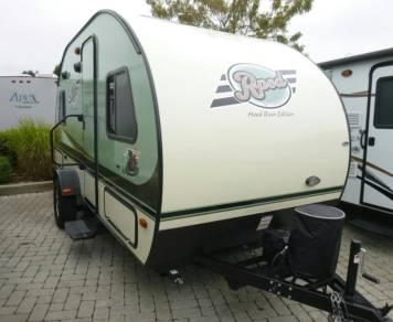 2016 rpod lightweight trailer sleeps 4