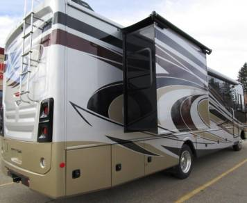 2013 Fleetwood RV Bounder 35K
